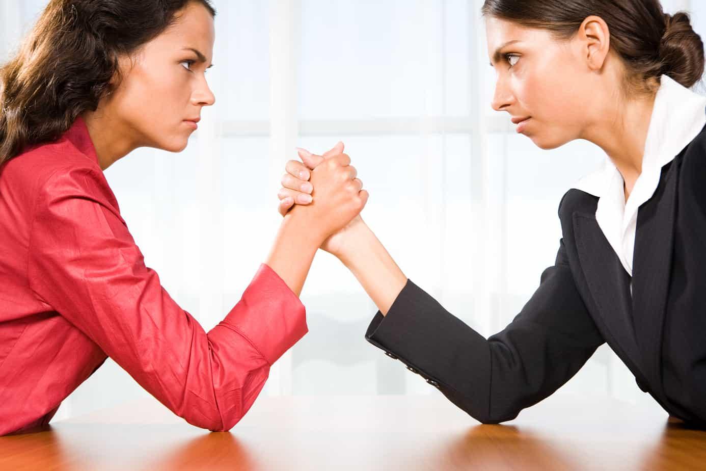 krabbemand-vrouwen vechten-coach